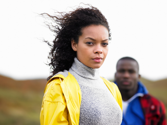 4 Signs That Reveal Your Relationship Trust Issues & Know How to Deal With It
